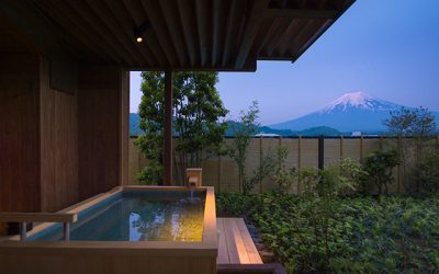 Top 10 Reasons to stay in a Luxury Hot Spring (Onsen) Hotel (Ryokan) whilst in Japan.